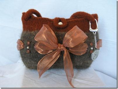 cat-hair-handbag