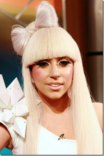 lady-gaga-hair-bow